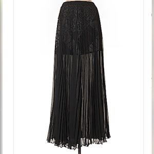 Guess maxi silhouette long black skirt
